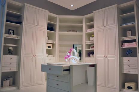 3衣柜设计图 > 简欧风格酒柜设计图 简欧风格酒柜设计图 宽480×720
